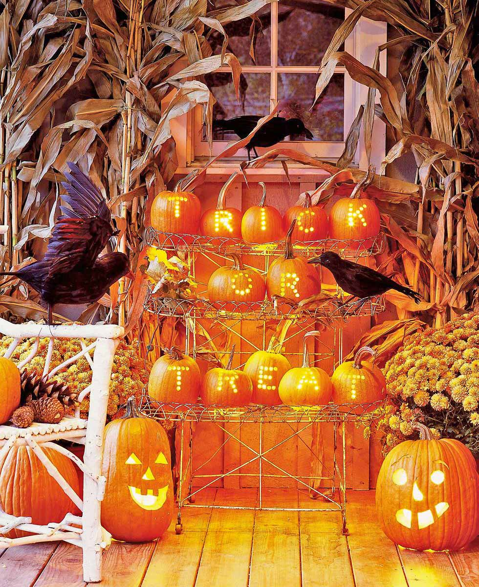 Front Porch & Outdoor Halloween Decorating Ideas • The