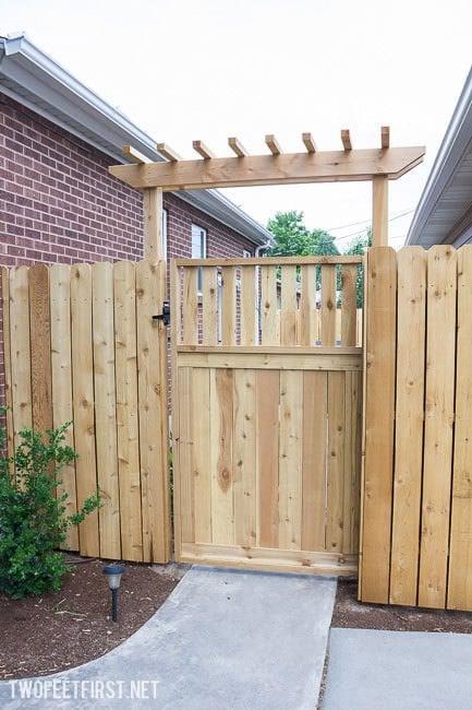 14 gorgeous garden gates you can make garden pics and tips for Backyard gate ideas