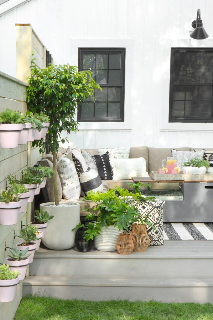 Rachel At U0027Maison De Paxu0027 Has A Perfect Example Of Creating An Outdoor Room.  These Outdoor Patio Ideas Are Perfect For Anyone, Even If You Donu0027t Have  This ...