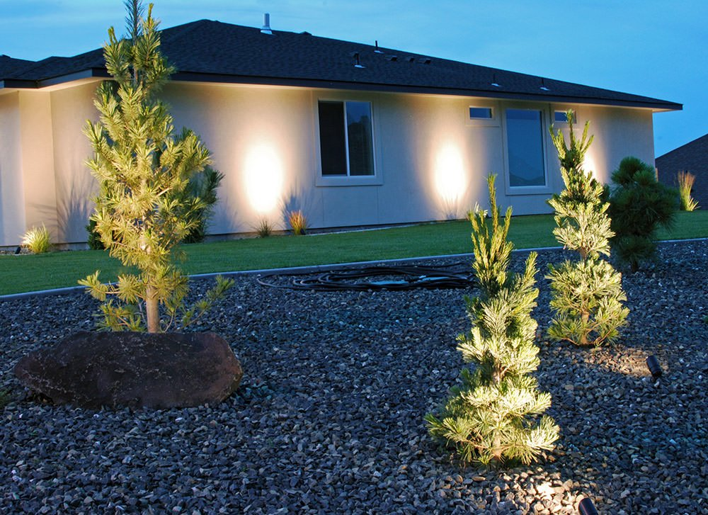How To Install Outdoor Low Voltage Landscape Lighting : How to install landscape lighting low