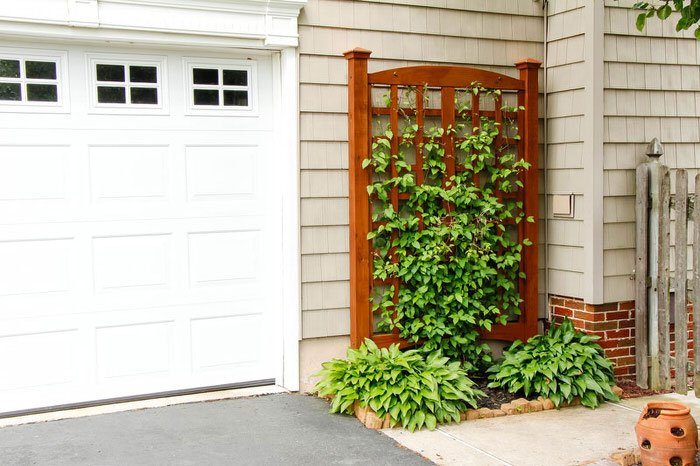 Build This DIY Garden Trellis In Just A Weekend With This Video Tutorial  From U0027Handy Dadu0027. This One Has A More Traditional Vibe And Is So Pretty  Itu0027s ...