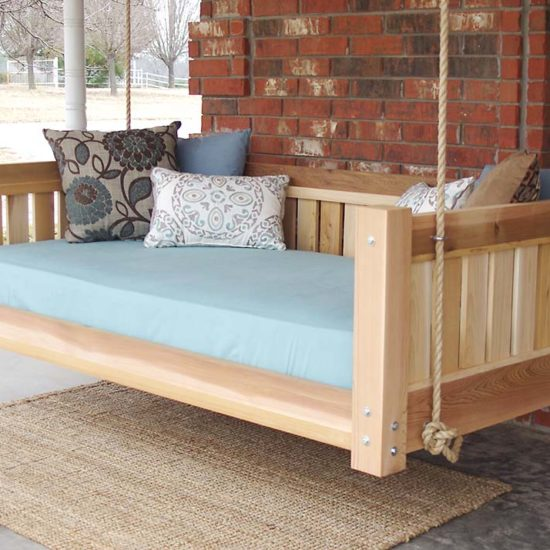 DIY Outdoor Hanging & Swing Beds for Your Porch & Garden