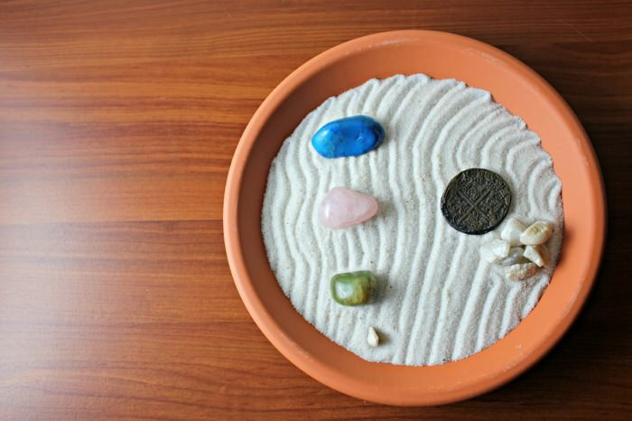 This Colorful Zen Garden From U0027Nous Decoru0027 Uses A Succulent Under The Sand.  They Say You Can Water It Through The Sand, But You Could Also Do This  Project ...