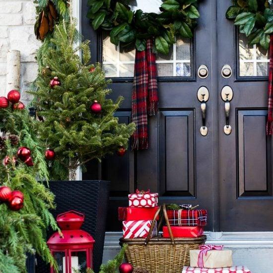 Creative Christmas Front Porch Decor