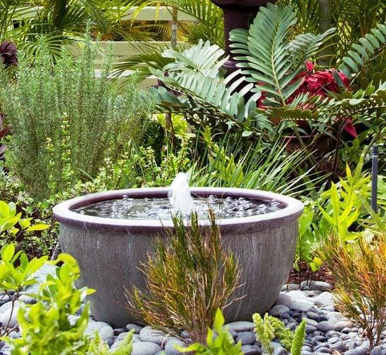 10 Soothing DIY Garden Fountains