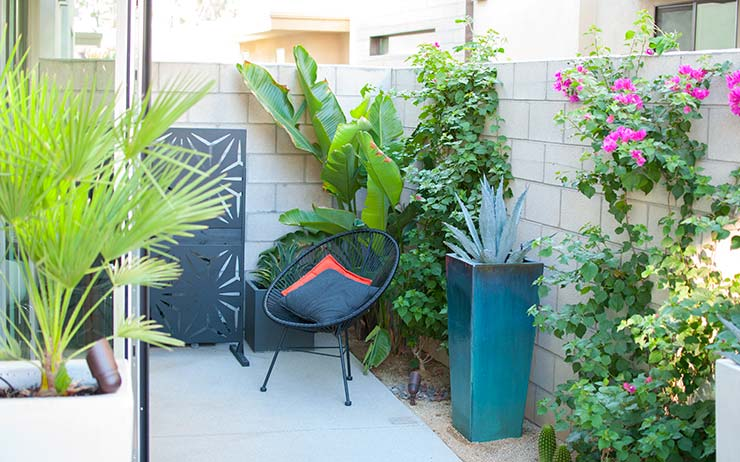 Get the Palm Springs Modern Patio Look With These Trendy Ideas!